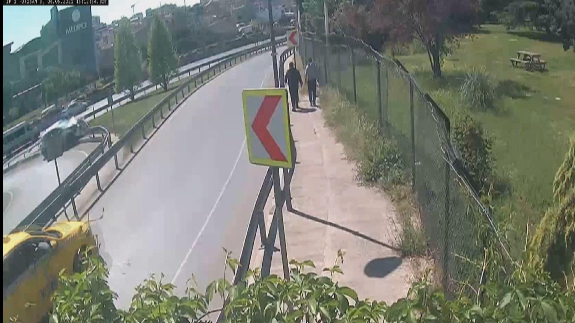 Bağcılar'da feci kaza kameraya yansıdı