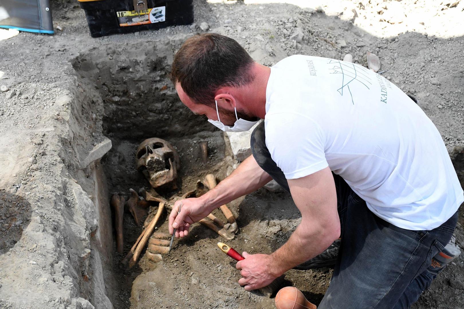 Heyecanlandıran keşif! 13'üncü yüzyıla ait insan iskeletleri bulundu