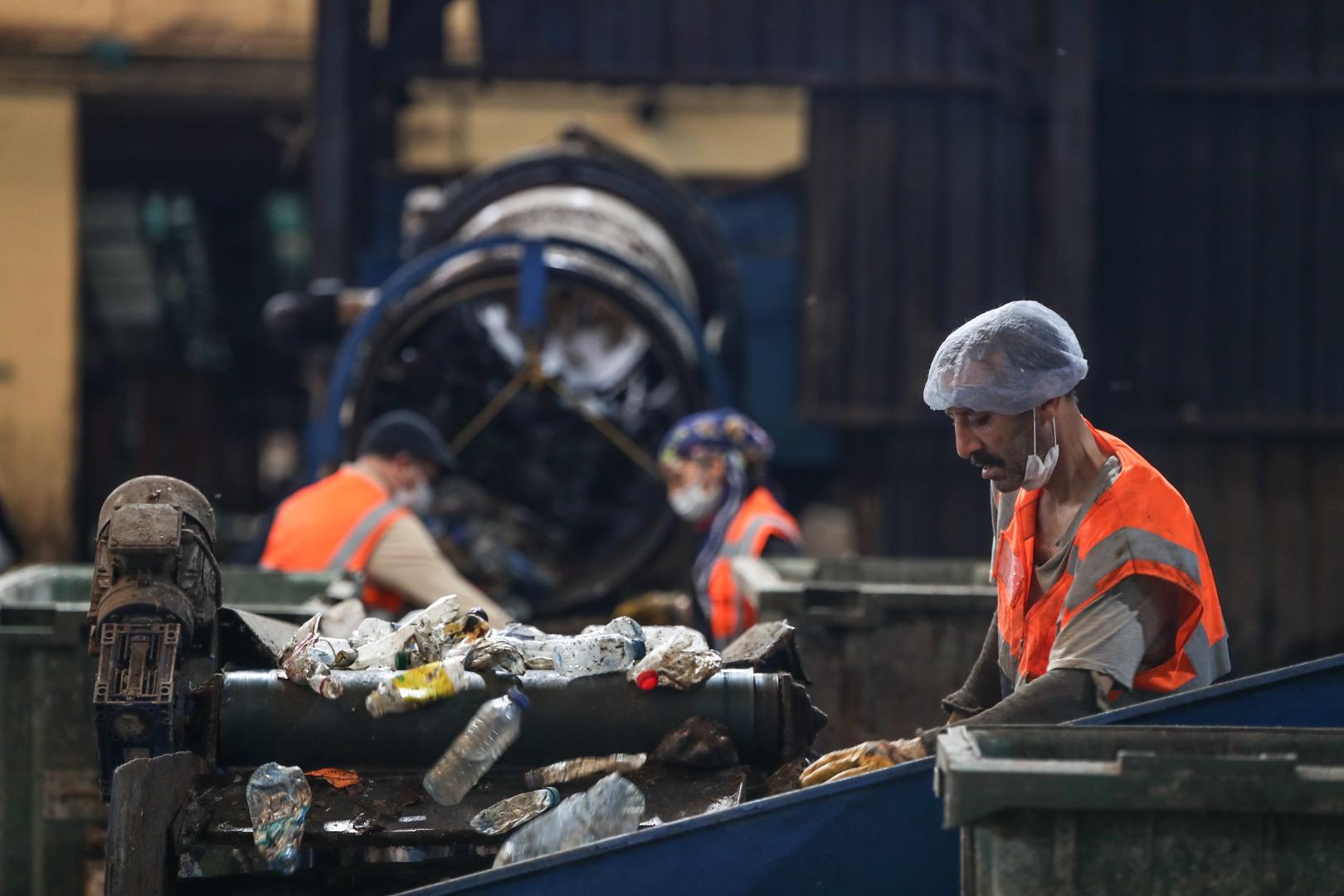 İstanbul'da 1 kişi günde 1,1 kilogram atık üretiyor... Çöpler gübre ve elektrik olarak dönüyor