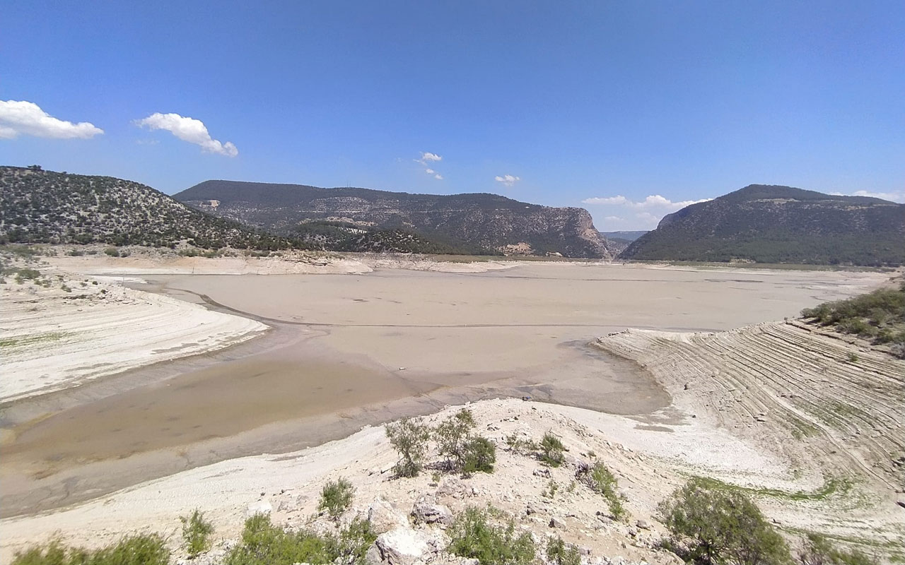 Aydın'da kuraklıktan çekilen sular şaşırttı