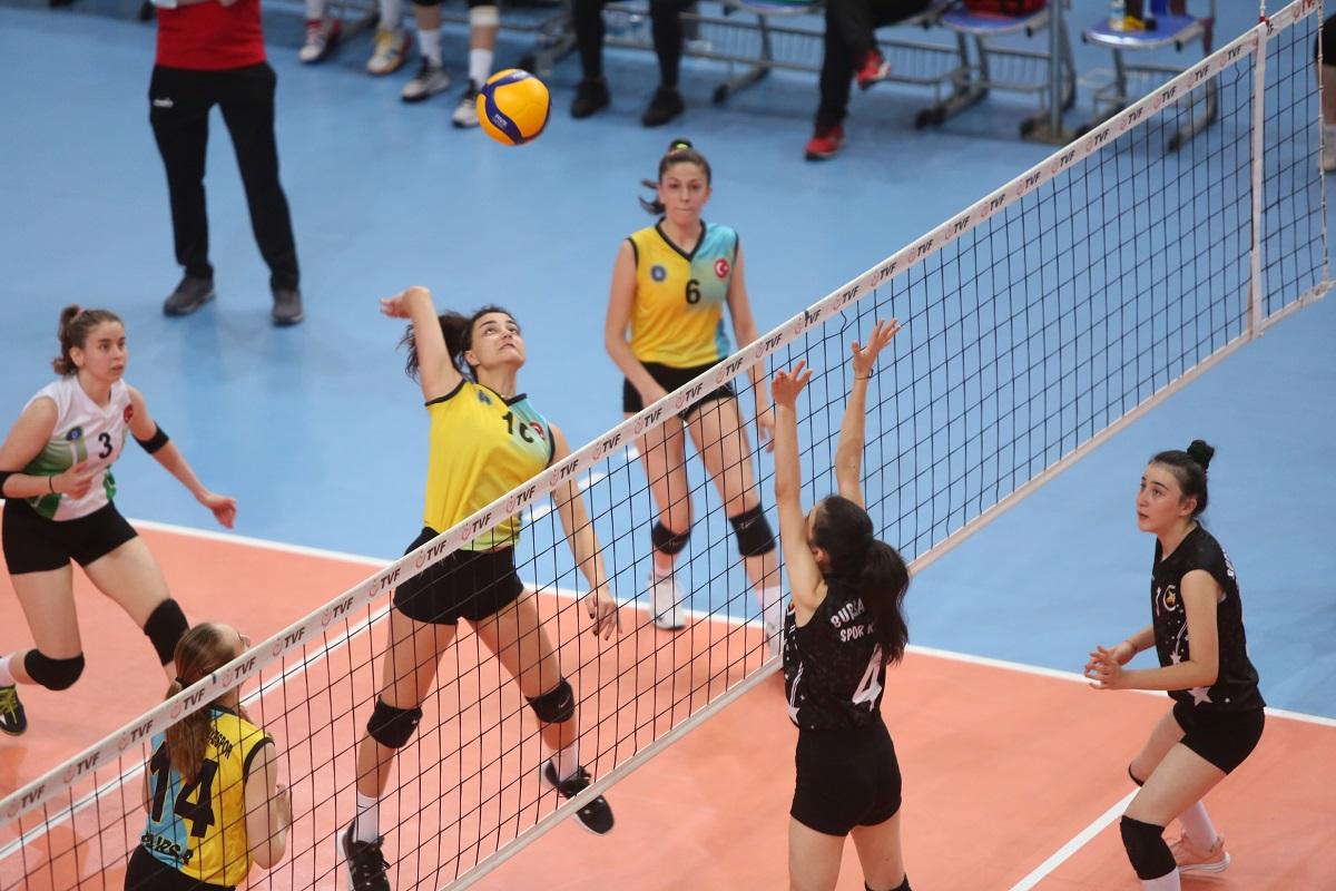 Bursa Büyükşehir Belediyespor Bölgesel Lig'e galibiyetle başladı