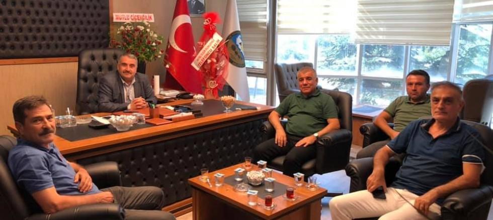 CHP'li Ramis Topal,Amasya Esnaf ve Sanatkarlar Odaları Birliği'ni ziyaret etti.