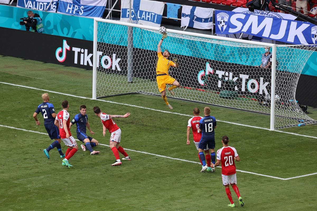 Danimarka-Finlandiya maçında şok