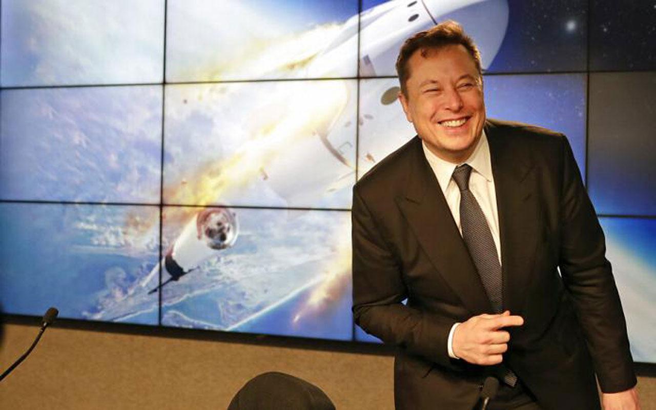 Elon Musk, uzayda 'reklam' işine girecek