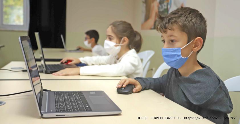KARTAL BELEDİYESİ'NDEN ÇOCUKLARA 'ROBOTİK KODLAMA EĞİTİMİ'