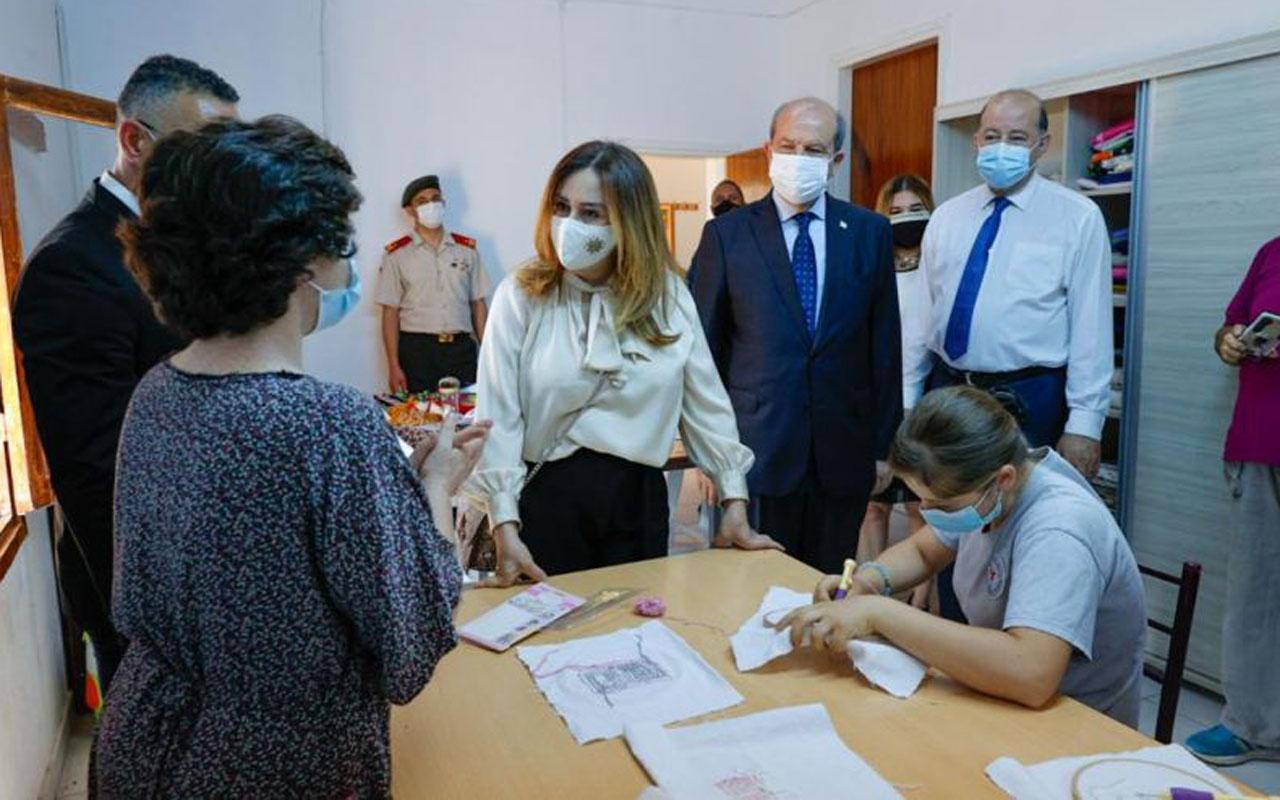Kıbrıs'ta Tatar çifti, Gazimağusa Özel Eğitim Merkezi'ni ziyaret etti