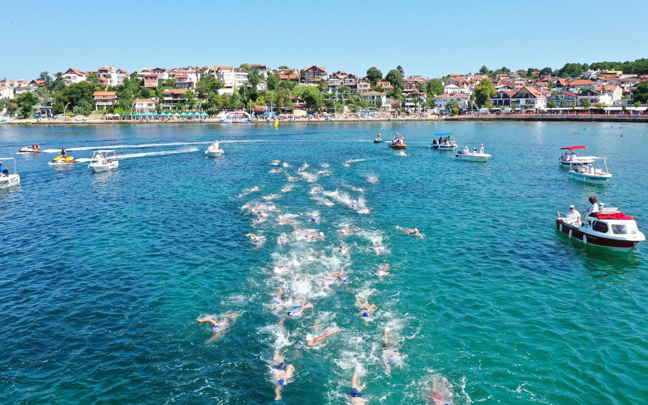 Kocaeli'de açık su yüzme yarışları başladı