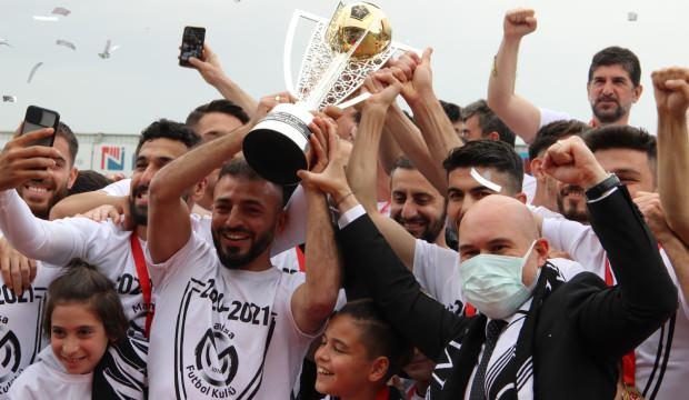 Manisa FK Türk futbol tarihine geçti