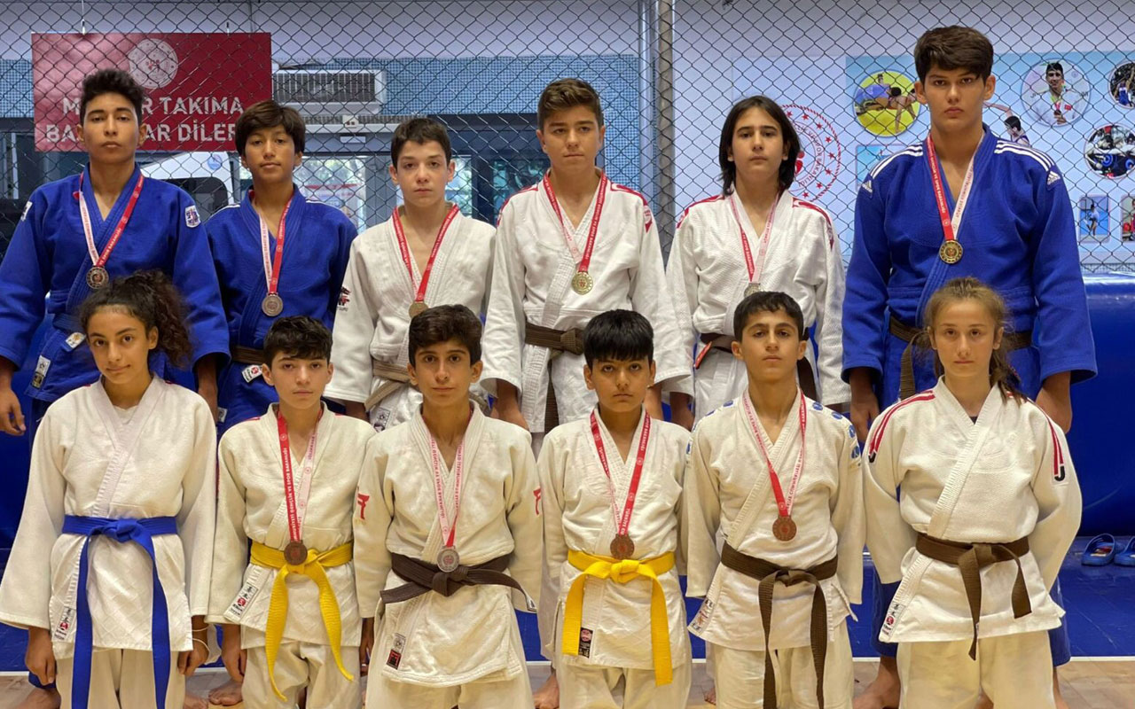 Manisalı judocular madalyalara ambargo koydu